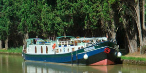 French Hotel Barge EMMA - Barging in France - www.BargeCharters.com