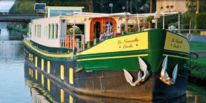 Hotel Barge LA NOUVELLE ETOILE - Barging in France, Holland, Germany & Luxembourg - www.BargeCharters.com