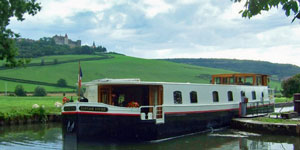 Hotel Barge Savoir Vivre - Barging in Burgundy France - www.BargeCharters.com