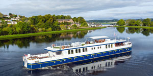Hotel Barge Spirit of Scotland - Barging in Scotland - www.BargeCharters.com